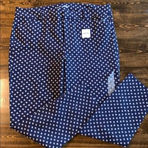 Old Navy High Rise Pixie Pants - New 16